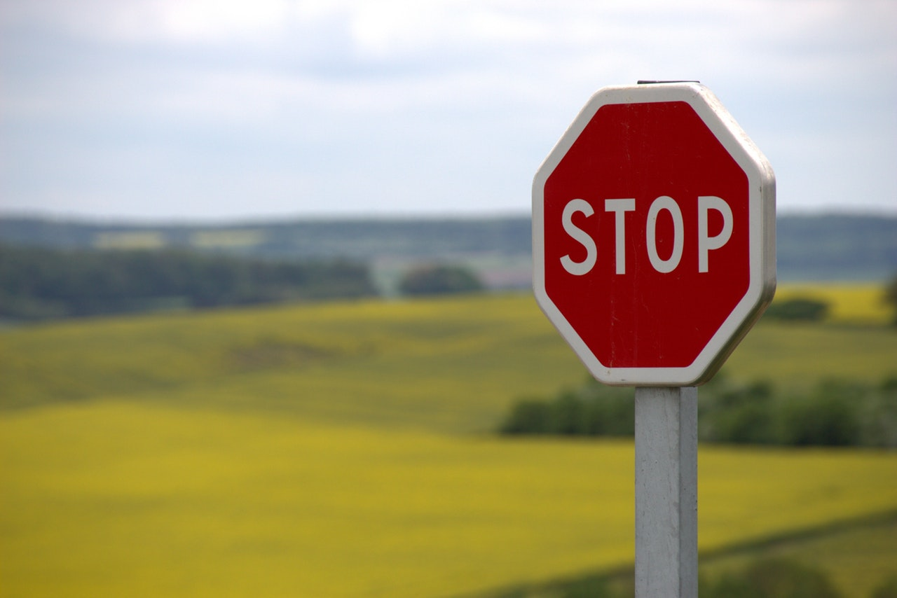 red stop sign 39080